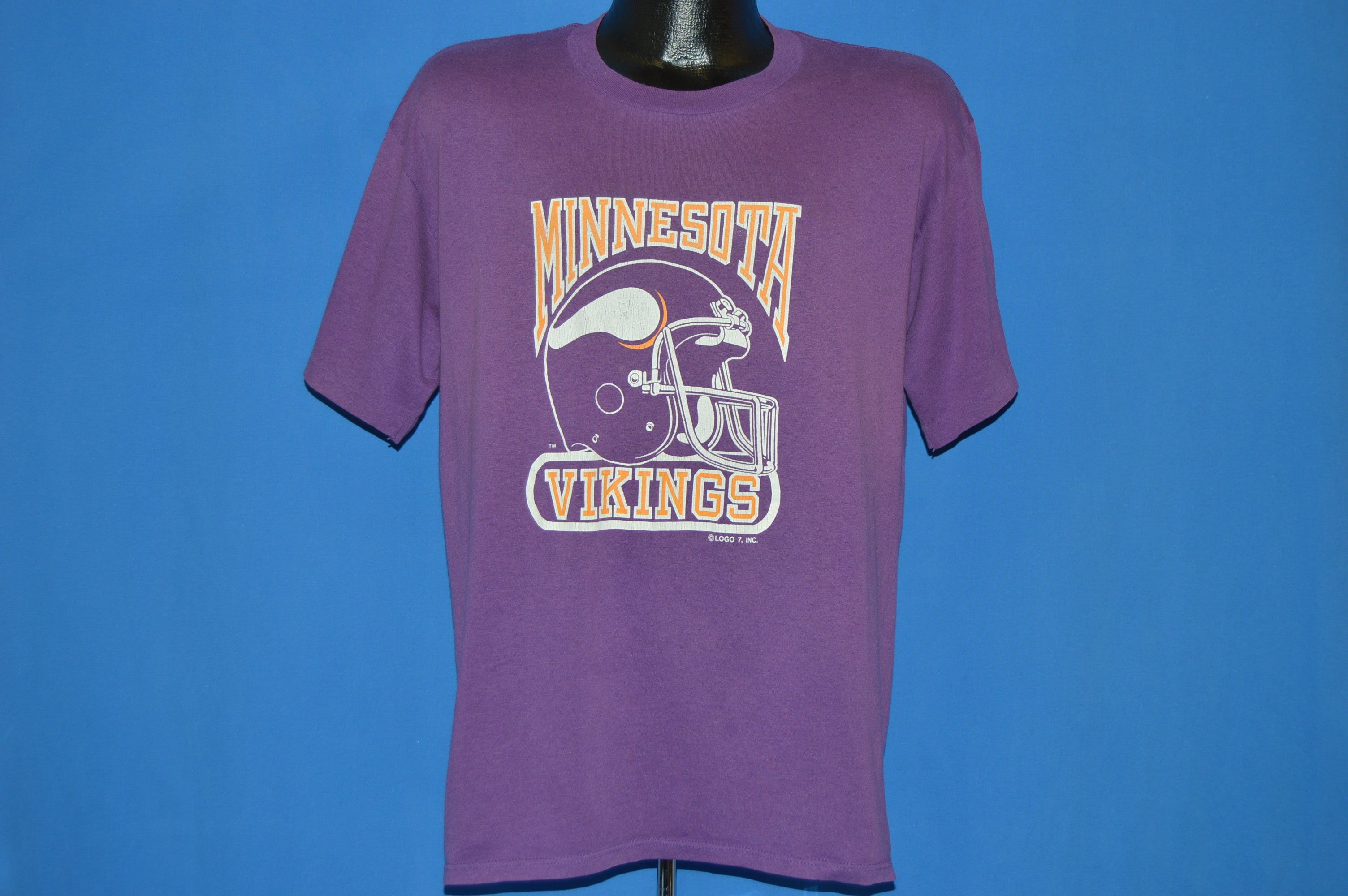 80s Minnesota Vikings Football Helmet t-shirt Large - The Captains ... ec5187f31