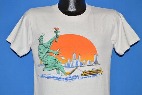 80s Statue of Liberty Water Skiing t-shirt Small