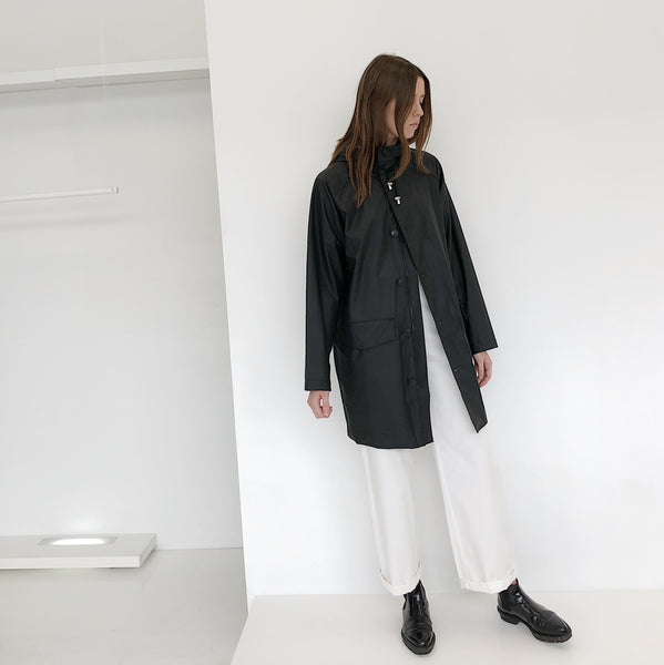 Johan - Stutterheim Black Ekeby Light Raincoat - Portland, Oregon