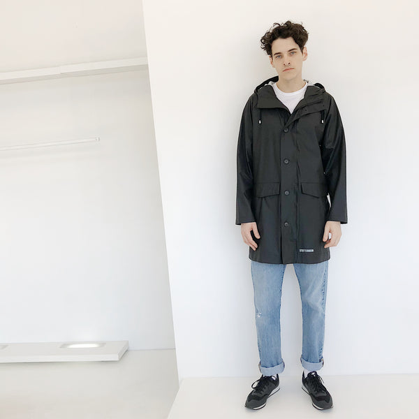 Johan - Stutterheim Black Ekeby Long Raincoat - Portland, Oregon