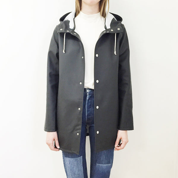 Johan Stutterheim Stockholm Raincoat Black - Portland, Oregon