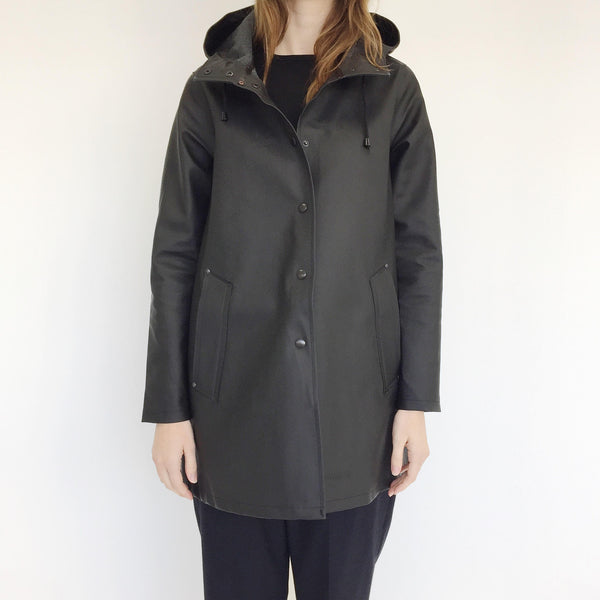 Johan - Stutterheim Mosebacke Raincoat in Black - Portland, Oregon