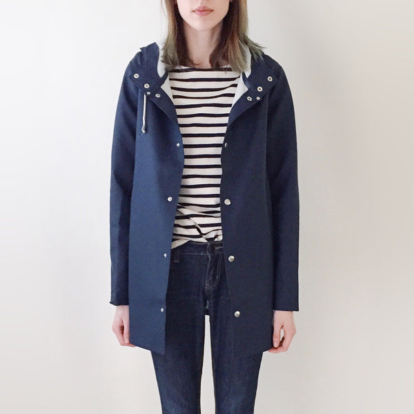 Stutterheim Stockholm Raincoat Navy - Front Unbuttoned