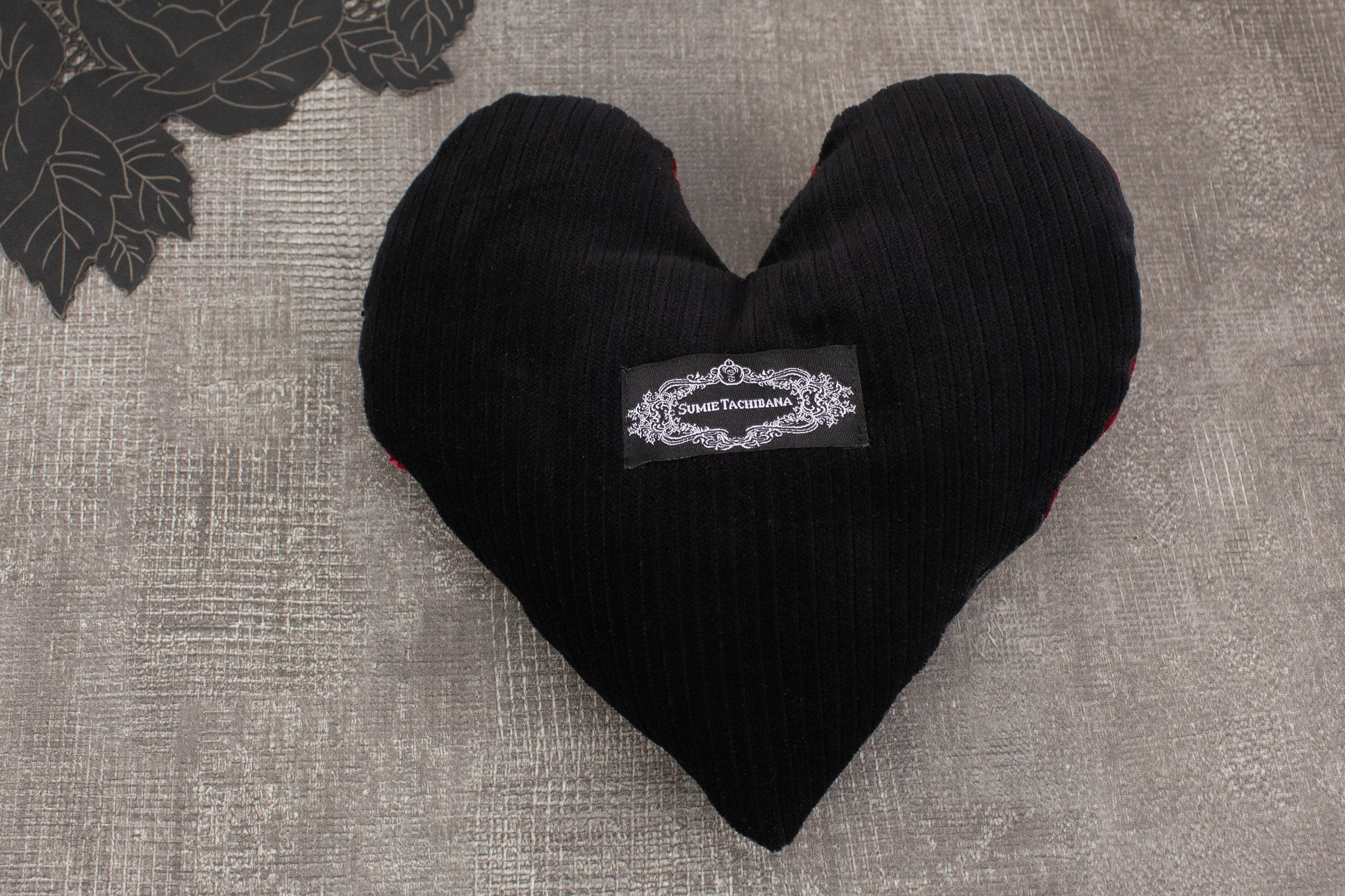 Red Velvet with Black Heart Pillow SPP00024