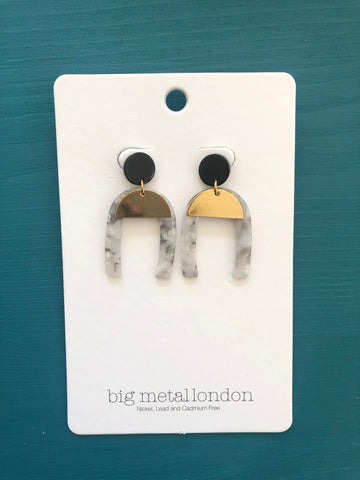 Sofia Abstract Cut Out Earrings (Grey)