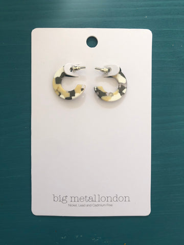 Libby Resin Hoop Earrings