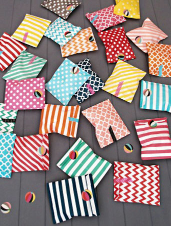 25 Assorted Paper Party Bags