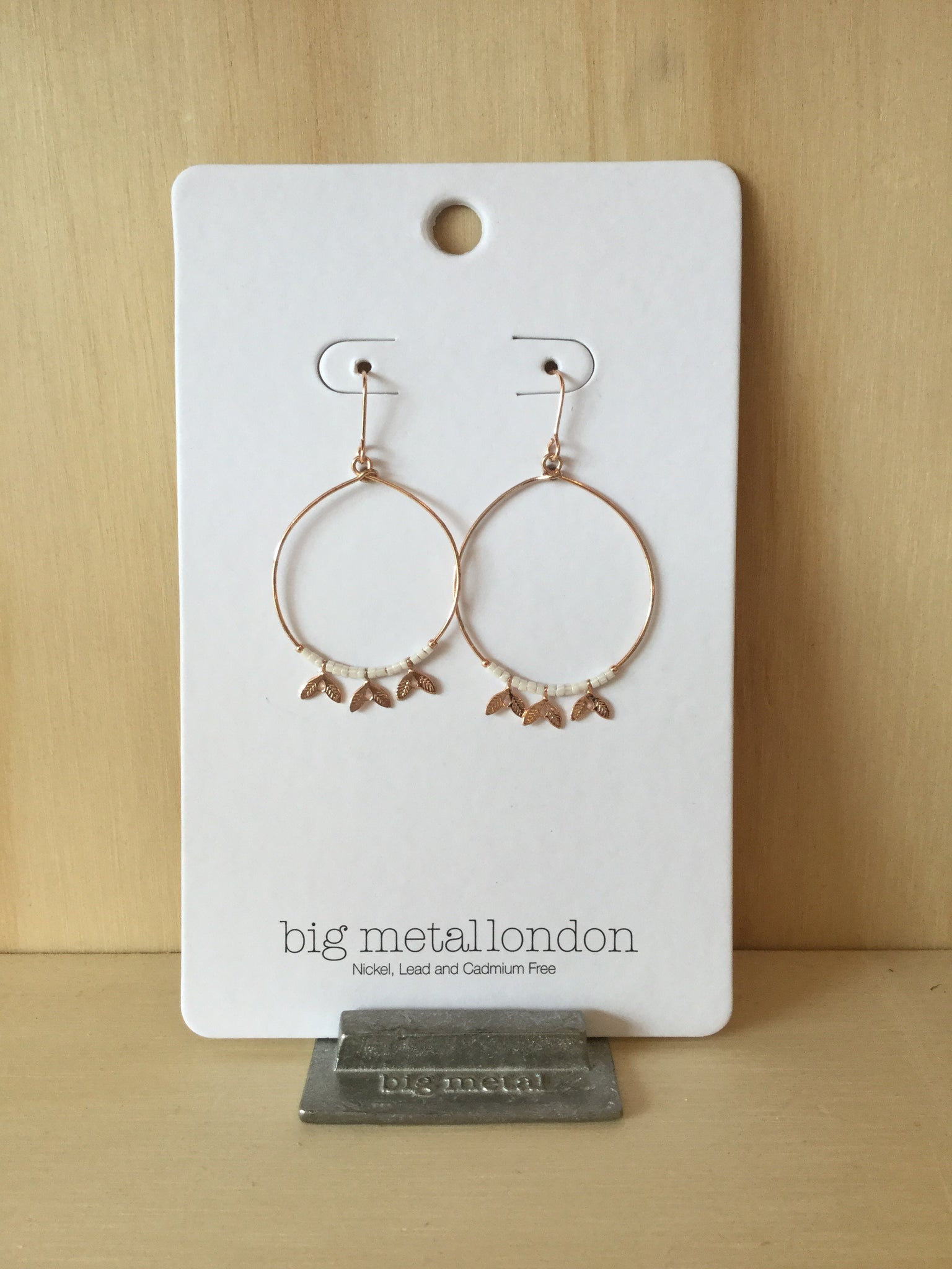 Villi Bead Leaf Tiny Hoop Earrings