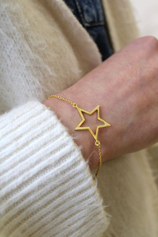 Brushed Gold Star Bracelet