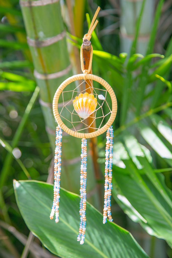 NOMAD HAWAII Small Ocean Dreamcatcher - Sunrise Shell/Mystic Blue & Goldenrod