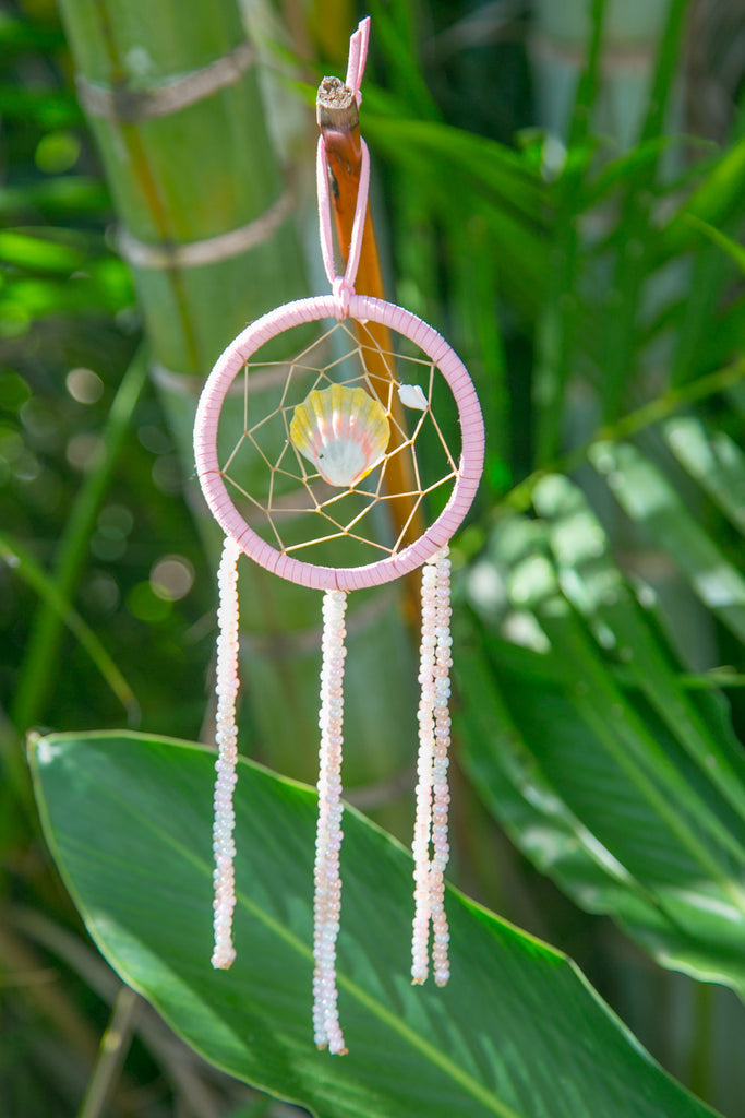 NOMAD HAWAII Small Ocean Dreamcatcher - Sunrise Shell/Peach & Baby Pink