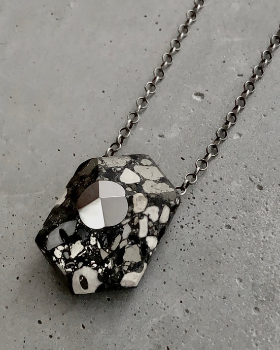 FACETED HEXAGON NECKLACE