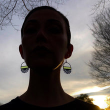 Load image into Gallery viewer, SPRING GREEN FLORET EARRINGS