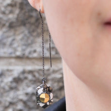 Load image into Gallery viewer, FACETED HEXAGON THREADER EARRINGS