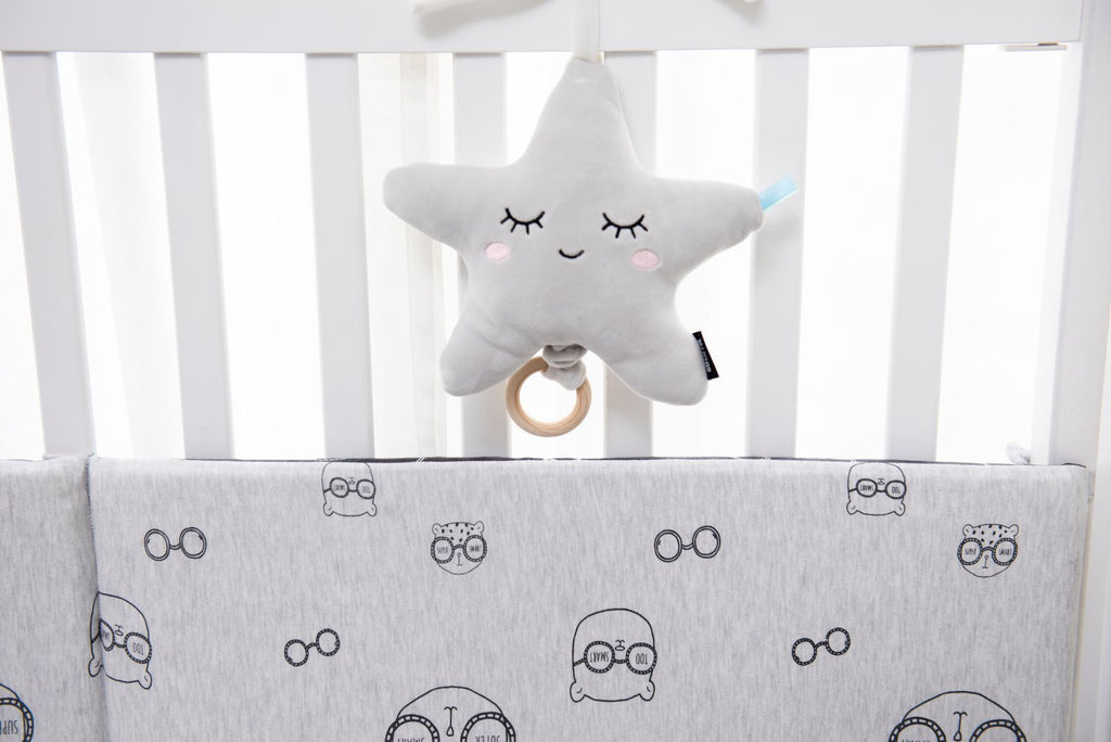 Grey Fabric Star Shape with Wooden Ring Pull. Plays Brahms Lullaby for 1min15sec