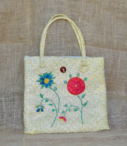 Spring, buriti straw bag