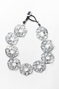 Flores, necklace