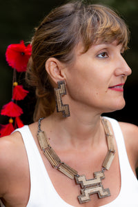 sustainable necklace and earrings with recycled materials and banana fibre