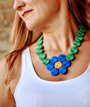 Carregar imagem no visualizador da galeria, Upcycled flower, necklace