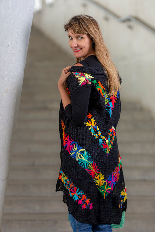 filé embroidery coat