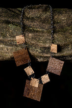Load image into Gallery viewer, sustainable necklace with recycled materials and banana fibre
