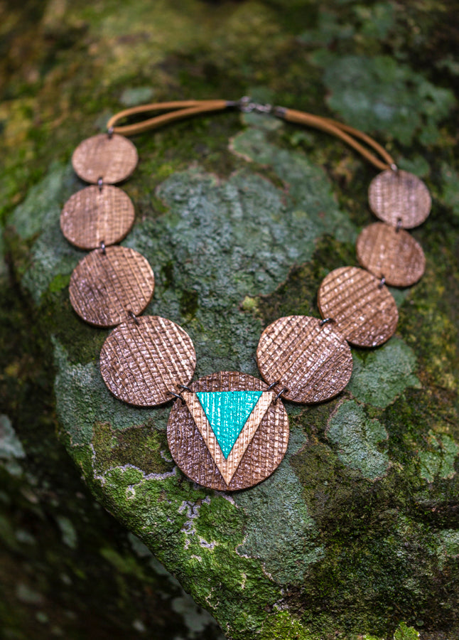 sustainable necklace with recycled materials and banana fibre