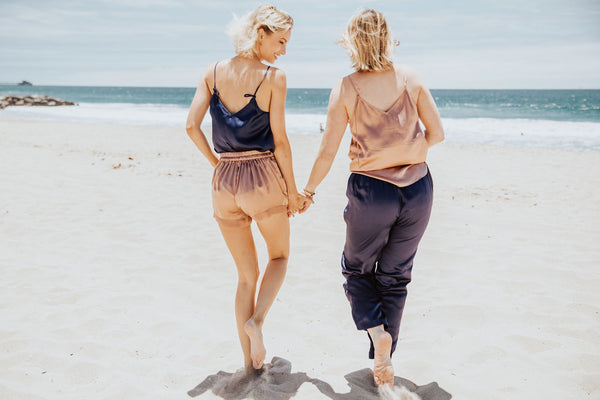 summer vacation outfit ideas silk sets beach travel destination what to pack