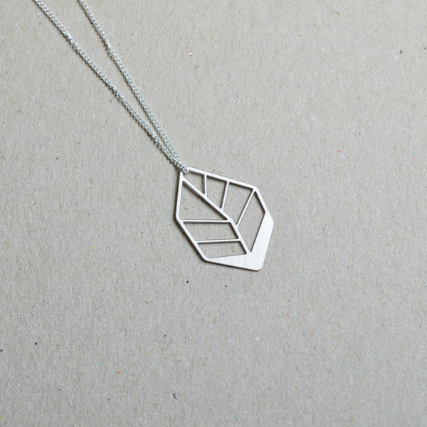Hoja: Small abstract leaf necklace