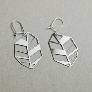 Lehti: Steel Abstract leaf earrings