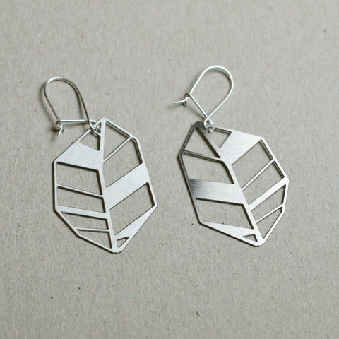 Lehti: Abstract leaf earrings