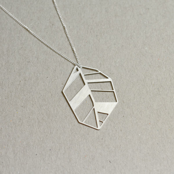 Lehti: Abstract leaf necklace