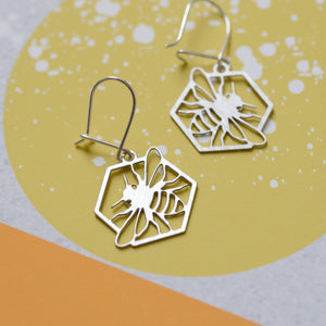 Honeycomb & bee earrings steel