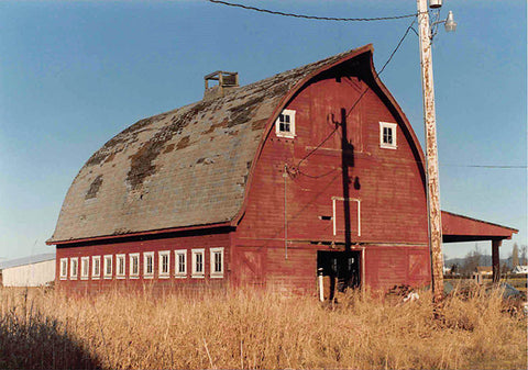 Old barn in Washington where owl pellets are found.