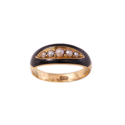 Victorian Pearl Mourning ring in 18ct