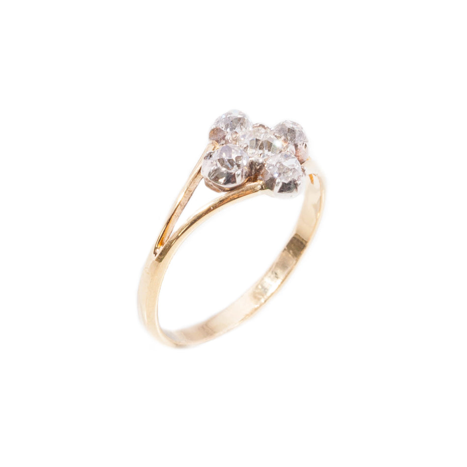 Vintage old cut diamond ring set in 18ct yellow gold