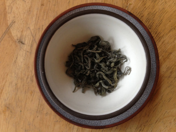 Silver Fish Hook Eyebrow Organic Green Tea