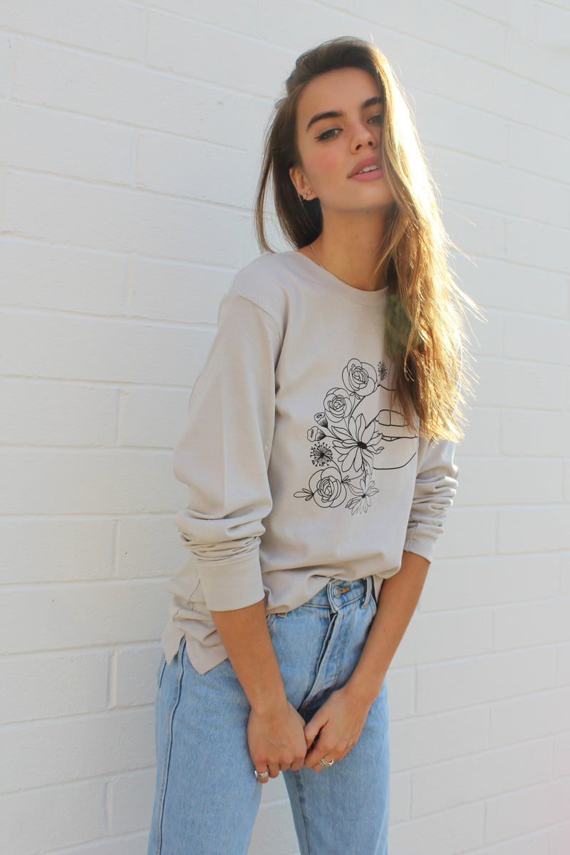 KISS KISS CLAY LONG SLEEVE TEE