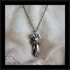 Hand of Valediction Necklace (silver) - Laura Flook