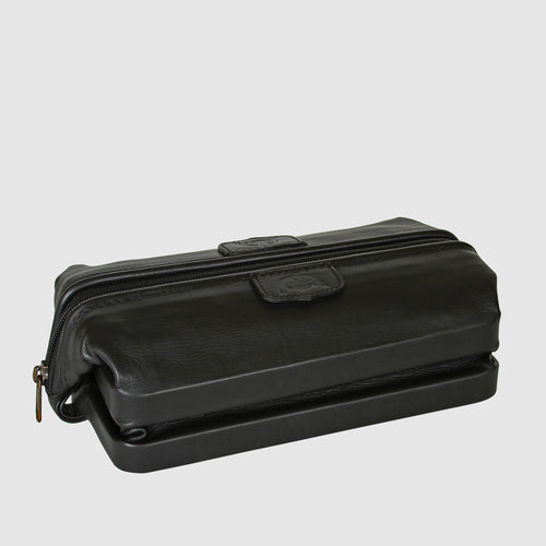 First Class Collection – Seasoned Traveler – The Original Dopp® Kit