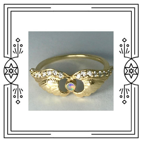 ENGRAVED WINGS RING