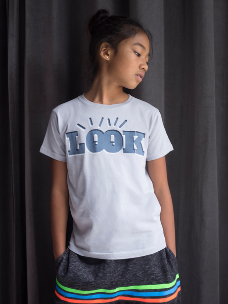 LOOK T-SHIRT LIGHT GREY