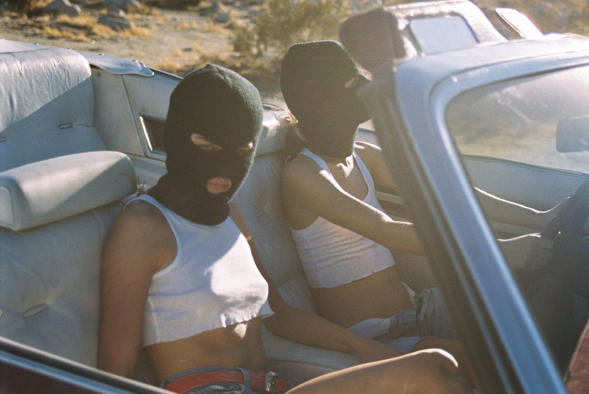 Thelma & Louise - Another Filthy Magazine - Photo 17