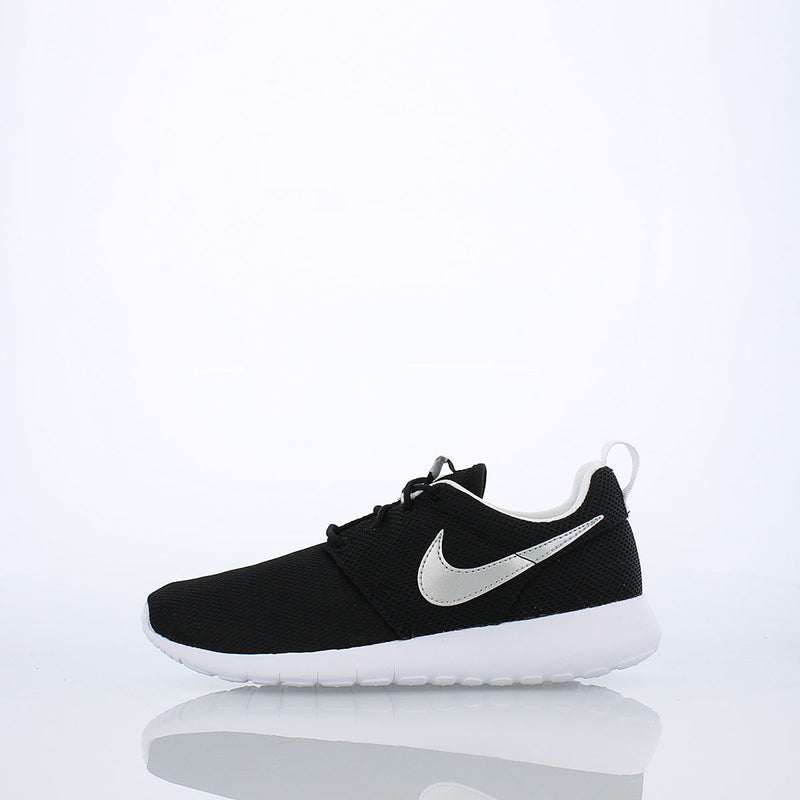 Nike Roshe One (Big Kids)