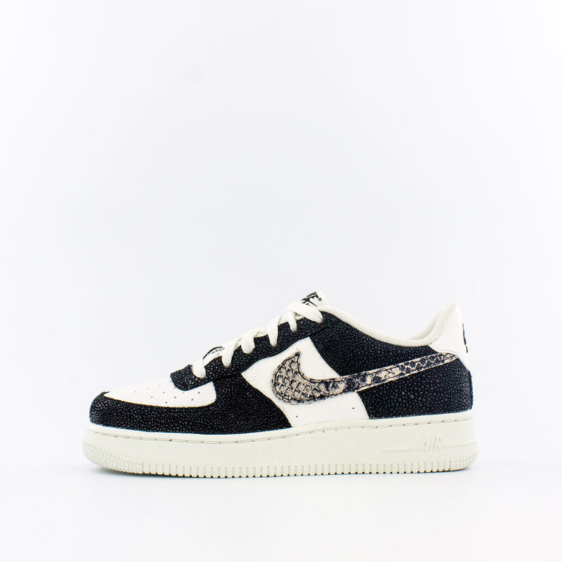 Nike Air Force 1 LV8 (Big Kids)