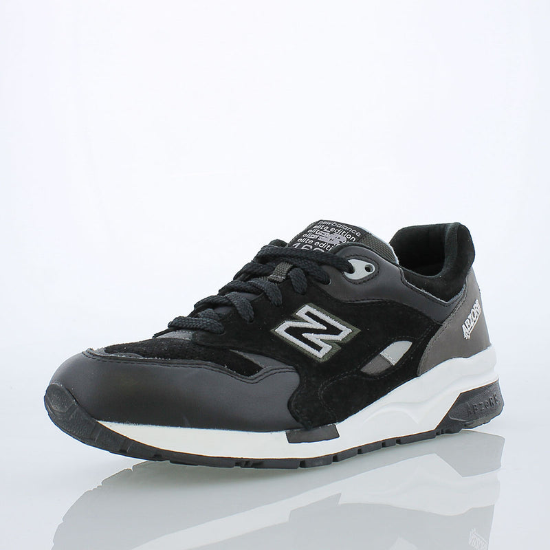 New Balance 1600 Sound and Stage