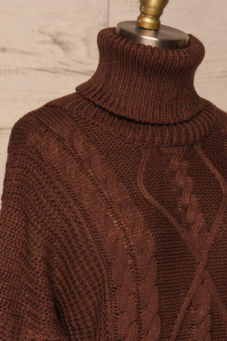 Abzac Brown Turtleneck Sweater | Col Roulé side close up | La Petite Garçonne