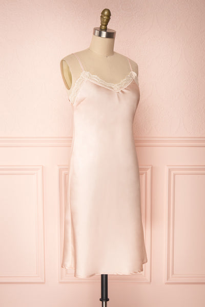 Adella Blush | Robe Courte en Satin