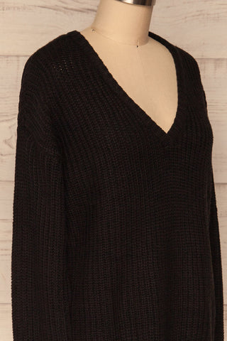 Adrano Poivre Black V-Neck Knit Sweater  | SIDE CLOSE UP  | La Petite Garçonne