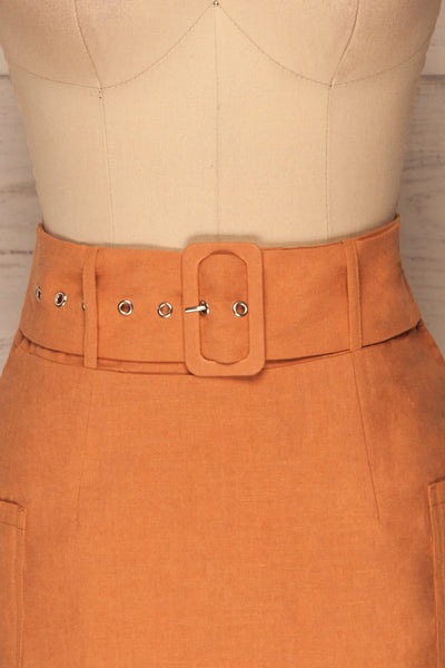Albinka Apricot Linen Mini Skirt w/ Belt front close up | La petite garçonne