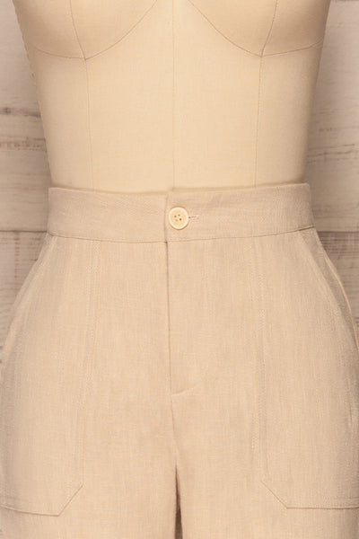Altenberg Beige Linen Cropped Pants front close up | La petite garçonne